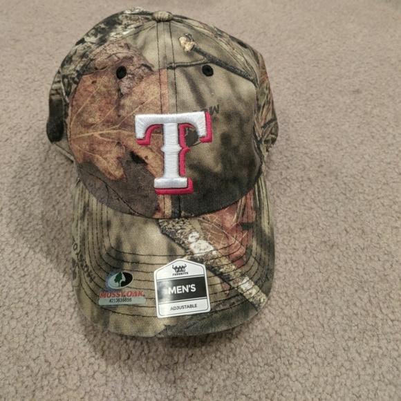 Camo TX Rangers Baseball Hat. NWT. Mossy Oak 5aa4aaa471ca